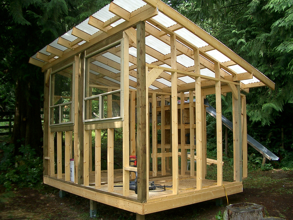 small chicken coop instructions