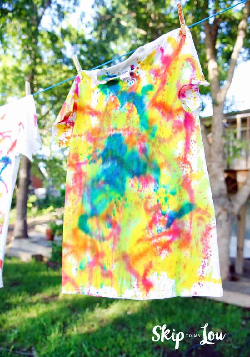 tie-dye instructions with large group